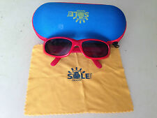 occhialini da sole per bambini orsovit di colore rosso con custodia e fazzoletto