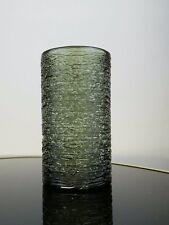 Rauchgrüne Kunstglas Design-Vase mit umsponnenem Glasfaden