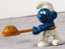 """1979 VINTAGE Peyo SMURF BAKER w. BREAD on PADDLE  2.25"""" SCHLEICH Made Hong Kong"""
