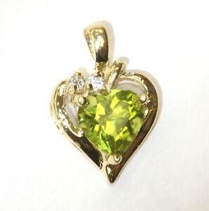 10k yellow gold .04ct SI1 H diamond green peridot heart pendant 1.3g estate