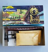 HO SCALE ATHEARN ITEM #1398, 50 FT FLAT SOUTHERN PACIFIC 30260