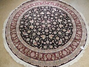7x7 Black Floral High End Distinct Wool & Silk Handmade Round Traditional Rug