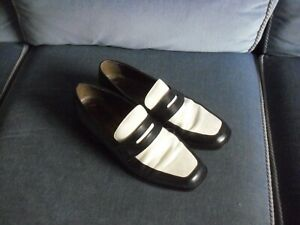 WELL WORN MARKS & SPENCER WOMANS SHOES  SIZE 4 1/2