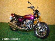 1:18 H2A de Kawasaki 750 Mach IV Violettmetallic 1973 / 02689