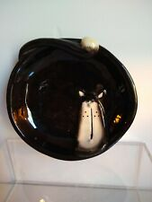 Art bowl, cat face and tail black