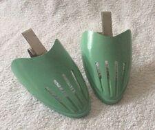 PAIR OF VINTAGE RETRO SHOE TOE END LASTS IN GREEN PLASTIC & METAL