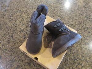 Aussie Merino 9004 Girls Jill Brown Toddler Boots 8 Medium NIB New kids EUR 23