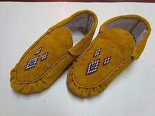 AUTHENTIC NATIVE AMERICAN MOCCASINS/SLIPPERS - 4 COLOUR DIAMOND DESIGN - 9 IN