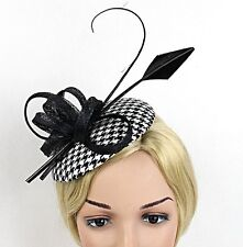 STUNNING BLACK AND WHITE HOUNDSTOOTH CHECK SINAMAY FASCINATOR WITH FEATHERS