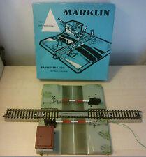 Märklin H0 7192 entièrement automatique Passage à niveau avec Morceau de voie et