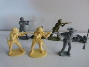 7 various Airfix Soldiers.