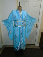 Kimono ladies Mikado show medium size theatre
