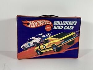 1969 HOT WHEELS REDLINE COLLECTORS 24 CAR RACE CASE #8227 With both Trays