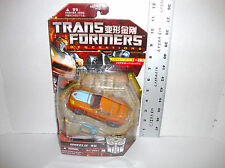 TRANSFORMERS HASBRO GENERATIONS DELUXE CLASS WHEELIE NEW