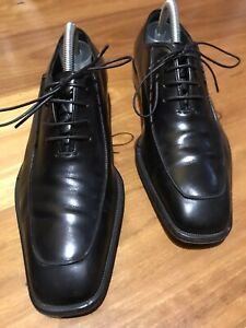 Salvatore Ferragamo mens Leather shoes