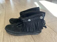 Minnetonka Black Leather Suede Back Zip Fringe Ankle Booties Moccasins Size 5.5