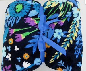 NWT VERA BRADLEY MIDNIGHT BLUES floral PLUSH FLEECE THROW BLANKET 50x80-RETIRED