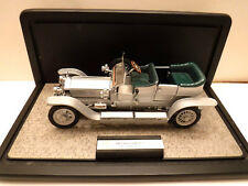 Franklin Mint Rolls-Royce Silver Ghost 1:24 Diecast Car w/ Display Case, COA