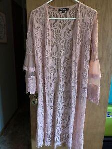 Say What? Mauve Floral Lace Print Kimono Size S Open Front LS Long EUC