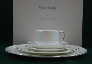 New Wedgwood Blanc Sur Blanc Vera Wang Fine Bone China 5 Piece Place Setting