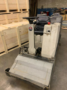 Nilfisk-Advance 3800 Rider Floor Scrubber sweeper with APA 388120 36V Charger