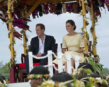 Catherine, Duchess of Cambridge & Prince William UNSIGNED photo - H5921