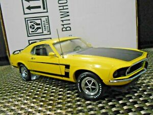 Franklin Mint 1:24 1969 Ford Boss 302 Mustang Diecast Yellow B11WH07