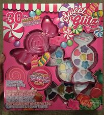 Sweet Glitz Beauty 30 pc Make-Up Palette
