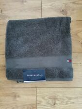 Tommy Hilfiger Bath/Poole Towel Dark Grey 100% Cotton 70x140 Cm