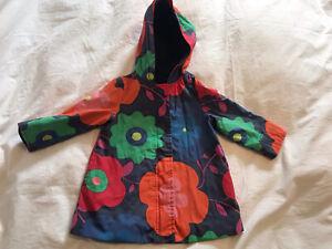 Baby Gap Girls Flower print rain coat age 2 years