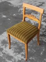 antiquarer Stuhl  wohl Biedermeier um 1850 - Einzelstück - gepolsert - 82 cm  /H
