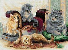 RIOLIS  1327  Chats  Feline Family  Broderie  Point de Croix  Compté