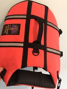 Outward Hound Pet Travel Gear Dog Life Jacket Quick Release Easy-fit Chest 20-24