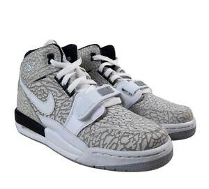 Nike Air Jordan  Legacy 312 Elephant Print Women's sz 8 / 6 .5Y AT4040-100