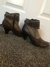 Plaid Booties With Heel, Womens Size 6.5