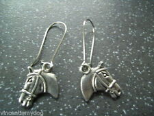 BRAND NEW * GORGEOUS SILVER TONE HORSE HEAD EARRINGS IN PRETTY ORGANZA GIFT BAG
