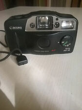 Analoge Canon Kompaktkameras mit eingebautem Blitz und Autofokus