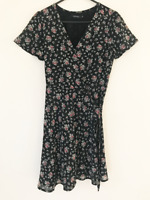 Portmans Black Knee Length Floral Wrap Dress Size 8 Short Sleeve Evening Party