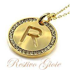 Collana e ciondolo con iniziale lettera R e zirconi in ottone dorato