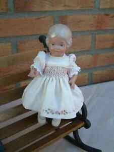 Schildkrötpuppe Inge - blond - 18cm - unbespielt -