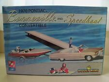 AMT / ERTL - 1970 PONTIAC BONNEVILLE CONVERTIBLE / SPEEDBOAT MODEL KIT (SEALED)