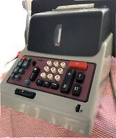Vintage Olivetti Underwood Adding Machine Divisumma GT 24