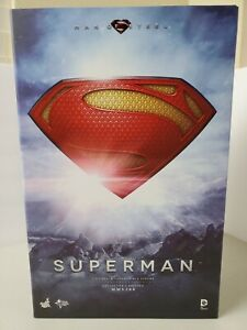 Hot Toys Man of Steel: Superman Movie Masterpiece Sixth Scale Figure MMS200