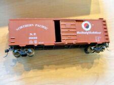 HO Northern Pacific Box car N.P. 15826