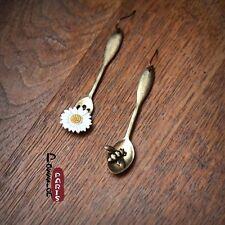Boucles d`Oreilles Doré Cuillere Fourchette Abeille Marguerite Blanc Original E1