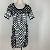 C Woman's dress size extra large XL black white graphic sweater