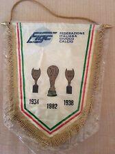 GAGLIARDETTO UFFICIALE CALCIO F.I.G.C. CAMPIONI DEL MONDO 1982 MONDIALE '82