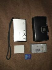 Nikon COOLPIX S6 6.0 MP Digital Camera - Silver  tested working w/charger