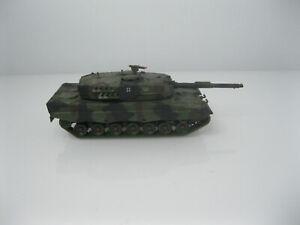 Roco Minitanks -H0 1:87- Bundeswehr - Leopard 2 Kampfpanzer - tarn - H