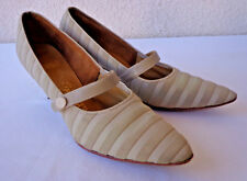 Vintage 1950s Taupe Tan Suede & Leather PUMPS Kitten Heels Shoes Naturalizer 8AA